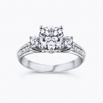 G color VS1 1.50 carat center engagement ring